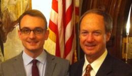 Sven Speer mit US-Botschafter John B. Emerson